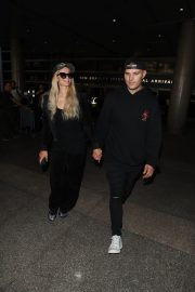 Paris Hilton and Chris Zylka at LAX Airport in Los Angeles 2018/07/27 10