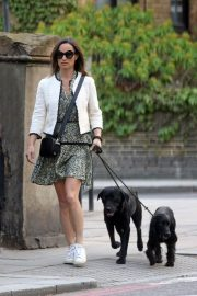 PIPPA MIDDLETON Out with Her Dog in London 05/12 8