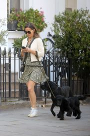 PIPPA MIDDLETON Out with Her Dog in London 05/12 9