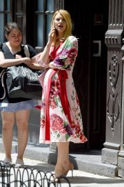 Pregnant Claire Danes Out in New York 2018/05/20 3