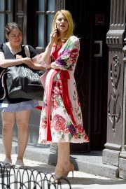 Pregnant Claire Danes Out in New York 2018/05/20 7