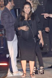 Pregnant  Eva Longoria Out for Dinner at Nobu in Los Angeles 2018/05/19 1