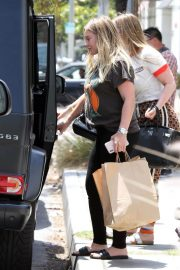 Pregnant Hilary Duff Leaves NK Shop in Los Angeles 2018/06/29 6