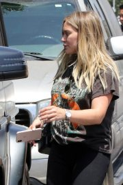 Pregnant Hilary Duff Leaves NK Shop in Los Angeles 2018/06/29 11