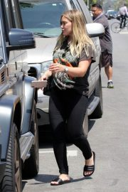 Pregnant Hilary Duff Leaves NK Shop in Los Angeles 2018/06/29 12