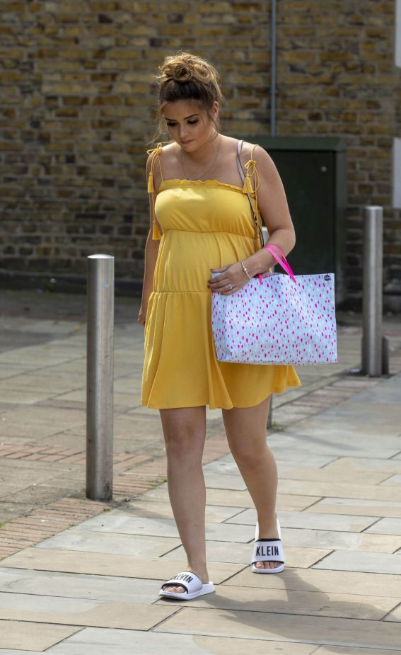 Pregnant Jacqueline Jossa Arrives at Her Baby Shower in Bexleyheath 06/02 1