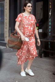Pregnant Rachel Weisz Out in New York 2018/05/15 2