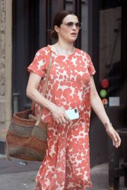 Pregnant Rachel Weisz Out in New York 2018/05/15 4