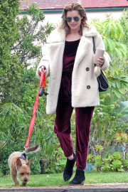 Rachael Taylor Out With Her Dog in Los Angeles 2018/05/12 6