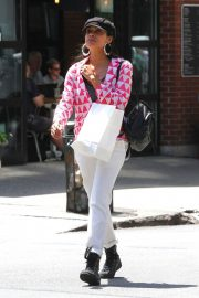 Rosario Dawson Out Shopping in New York 2018/06/26 3
