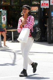 Rosario Dawson Out Shopping in New York 2018/06/26 9