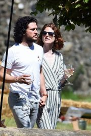 Rose Leslie and Kit Harington Out in Aberdeen 2018/06/24 5
