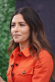 Sarah Shahi on the Set of Extra in Los Angeles 2018/05/29 7