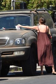 Scout LaRue Willis Gets a Parking Ticket in Los Angeles 2018/07/12 8