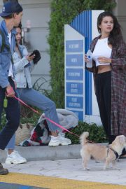 Selena Gomez, VANESSA HUDGENS and Austin Butler Out in Los Angeles 2018/07/13 5