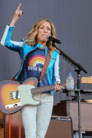 Sheryl Crow Performs at Isle of Wight Festival 2018/06/23 10