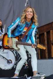 Sheryl Crow Performs at Isle of Wight Festival 2018/06/23 12