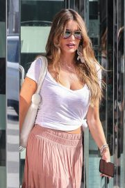 Sofia Vergara Out Shopping in Beverly Hills 2018/07/18 2