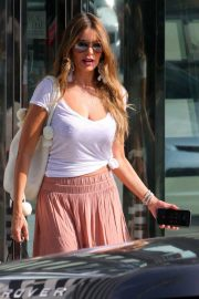 Sofia Vergara Out Shopping in Beverly Hills 2018/07/18 16
