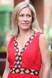 Sophie Raworth at Chelsea Flower Show in London 2018/05/21 5