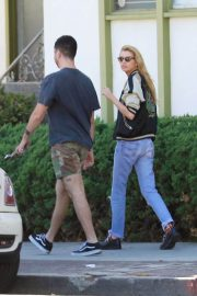 Stella Maxwell Leaves Cafe Gratitude in Los Angeles 2018/07/23 2