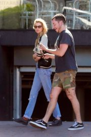 Stella Maxwell Leaves Cafe Gratitude in Los Angeles 2018/07/23 3