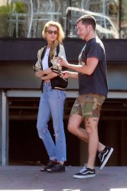 Stella Maxwell Leaves Cafe Gratitude in Los Angeles 2018/07/23 4