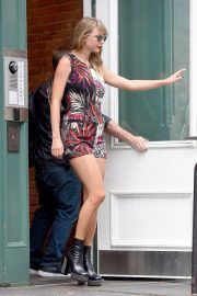 Taylor Swift Leaves Her Apartment in New York 2018/07/17 1