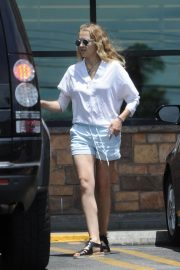 Teresa Palmer Out Shopping in Los Angeles 2018/07/21 1