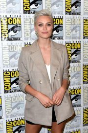 Wallis Day at Krypton Press Line at Comic-con in San Diego 2018/07/21 1