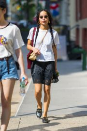 Zoe Kravitz Out and About in New York 2018/05/26 4