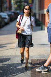 Zoe Kravitz Out and About in New York 2018/05/26 5
