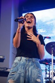 Alessia Cara Performs at Move in the City at Moore Park in Sydney 2018/08/18 6
