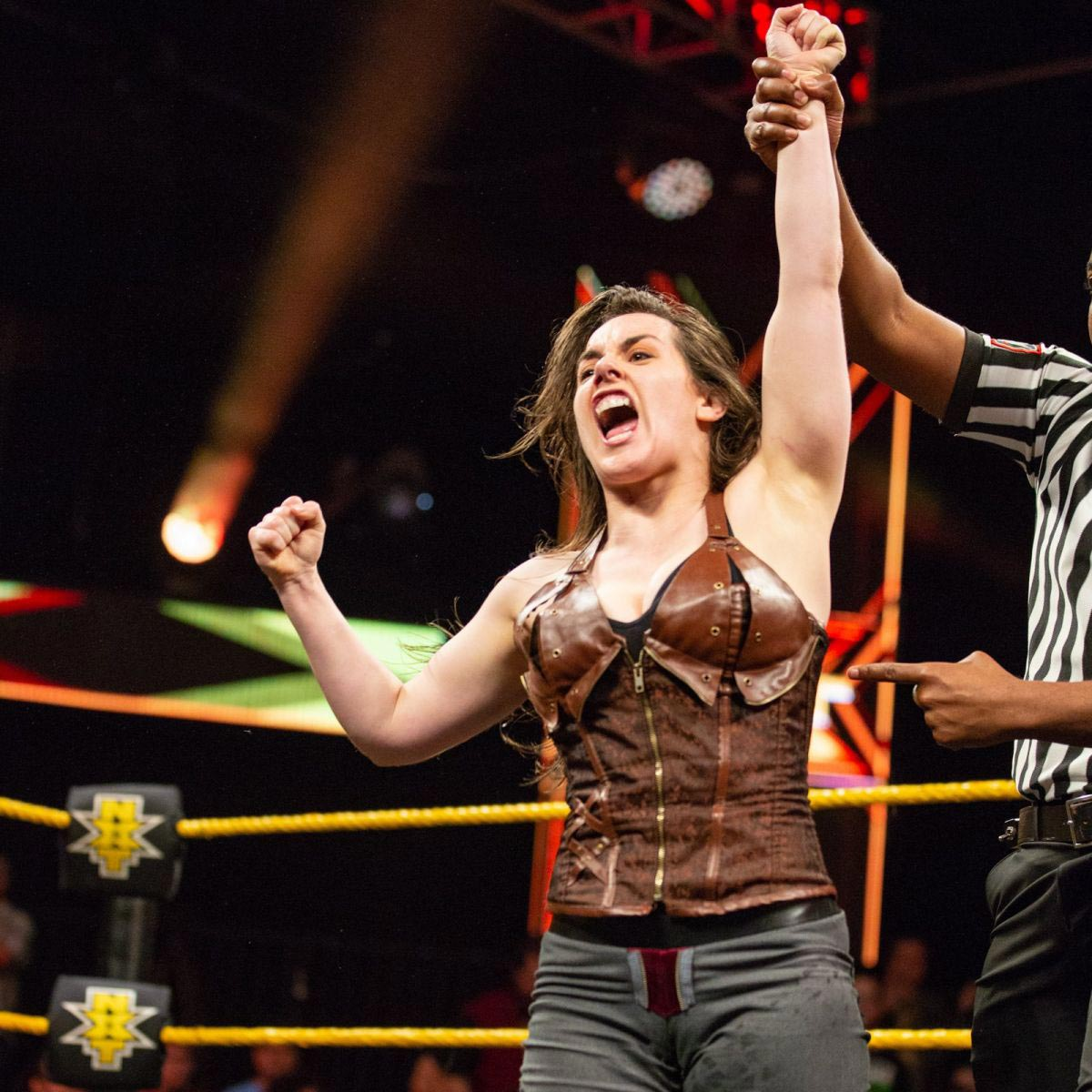 Amber Nova vs. Nikki Cross - WWE NXT 2018/08/08 1