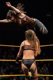 Amber Nova vs. Nikki Cross - WWE NXT 2018/08/08 3