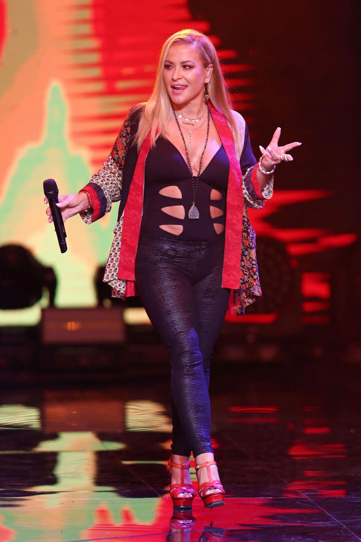 Anastacia Performs at Top Sopot Festival in Poland 2018/08/15 1