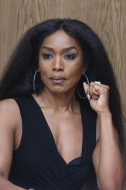 Angela Bassett 9-1-1 Press Conference in Beverly Hills 2018/08/05 2