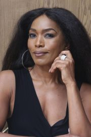 Angela Bassett 9-1-1 Press Conference in Beverly Hills 2018/08/05 4