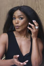 Angela Bassett 9-1-1 Press Conference in Beverly Hills 2018/08/05 5