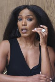 Angela Bassett 9-1-1 Press Conference in Beverly Hills 2018/08/05 6