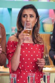 Anita Rani at Sunday Brunch Show in London 2018/08/12 8
