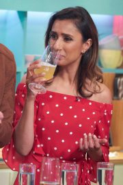 Anita Rani at Sunday Brunch Show in London 2018/08/12 9