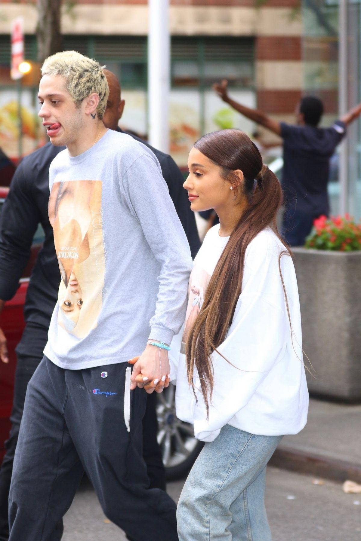 Ariana Grande and Pete Davidson Out in New York 2018/08/21 1