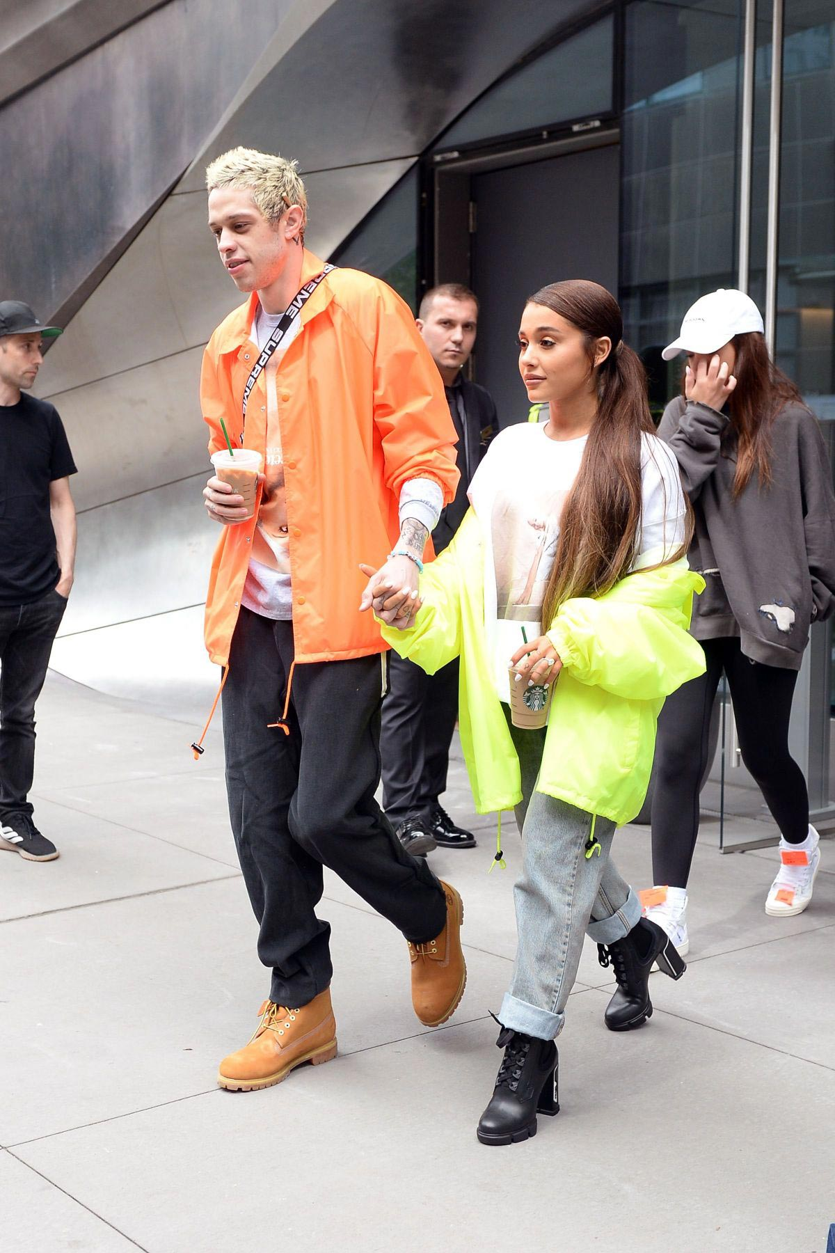 Ariana Grande and Pete Davidson Out in New York 2018/08/21 8