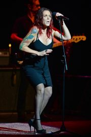 Beth Hart Performs at Broward Center in Fort Lauderdale 2018/08/11 5