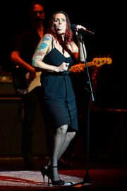 Beth Hart Performs at Broward Center in Fort Lauderdale 2018/08/11 7
