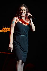 Beth Hart Performs at Broward Center in Fort Lauderdale 2018/08/11 9
