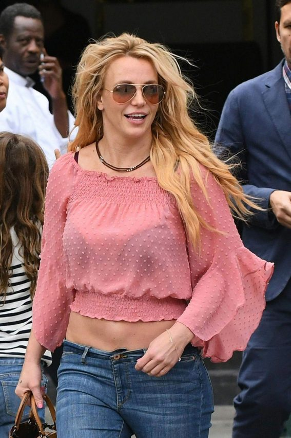 Britney Spears Out and About in Paris 2018/08/27 1