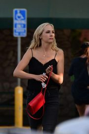 Candice King Out Shopping in Los Angeles 2018/08/26 2
