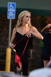 Candice King Out Shopping in Los Angeles 2018/08/26 5